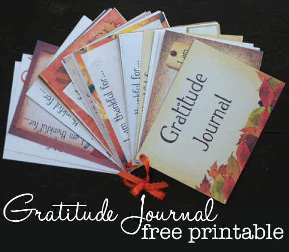 Printable gratitude journal to help us remember our blessings this season | TheSimplePen.com